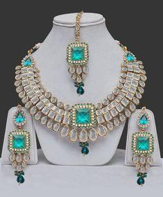 Awesome Jewelry unique wedding,Jewelry diy bracelets and Minimalist jewelry inspiration. Royal Jewelry, Emerald Jewelry, Gothic Jewelry, Indian Jewelry, Boho Jewelry, Jewelry Sets, Antique Jewelry, Vintage Jewelry, Fine Jewelry