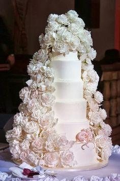 Wow #gorgeous #wedding #dress