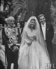 "Chic Vintage Bride – The Duchess of Alba.Cayetana Fitz-James Stuart, the Duchess of Alba married Pedro Luis Martinez de Irujo y Artacoz on October 1947 in a most lavish affair – hailed by The New York Times as ""the most expensive wedding of the world"". 1940s Wedding, Vintage Wedding Photos, Vintage Bridal, Wedding Bride, Wedding Gowns, Vintage Weddings, Wedding Shot, Wedding Reception, Royal Brides"