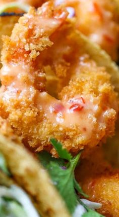 Bang Bang Shrimp Tacos Super crisp shrimp tacos drizzled with the most amazing and epic sweet creamy chili sauce. Best Seafood Recipes, Chili Recipes, Shrimp Recipes, Fish Recipes, Asian Recipes, Mexican Food Recipes, Shrimp Tacos, Shrimp Bake, Shrimp Dishes
