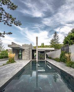 Smartvoll completes monolithic spa building made from stone slabs. Stone Blocks, Image Sites, Garden Pavilion, Pavilion Design, Famous Gardens, Stone Slab, Loft Spaces, Design Moderne, Hotel Spa