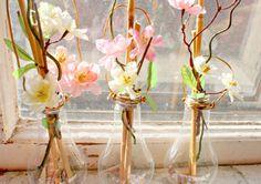 DIY Lightbulbs! Light Bulb Vase, Light Bulb Crafts, Upcycled Crafts, Diy And Crafts, Old Lights, Idee Diy, Cool Diy, Flower Vases, Diy Flower