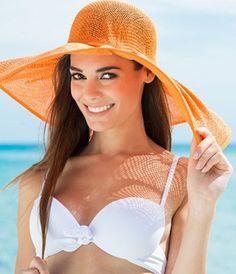 """#belezacomglamour Quem é fã de tratamentos de beleza com certeza passa por aquele eterno dilema do verão: """"posso ir para a praia depois desta sessão?"""" Para matar de vez essa dúvida passe no nosso site e confira quais são os tratamentos ideais (sim eles existem!) e os proibidos da estação. É só clicar no link da bio.  via GLAMOUR BRASIL MAGAZINE OFFICIAL INSTAGRAM - Celebrity  Fashion  Haute Couture  Advertising  Culture  Beauty  Editorial Photography  Magazine Covers  Supermodels  Runway…"""