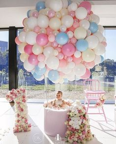 35 simply wonderful DIY balloon decorations for your celebration - Diyideasdecoration.club - 35 Simply wonderful DIY balloon decorations for your celebration - Party Decoration, Baby Shower Decorations, 1st Birthday Decorations, Balloon Decorations Without Helium, Baby Shower Centerpieces, 1st Birthday Girls, First Birthday Parties, Birthday Ideas, 1 Year Old Birthday Party