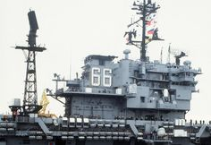Image used to illustrate the details of the USS America Conventionally-Powered Aircraft Carrier Navy Military, Military Humor, Military Photos, Navy Quotes, Uss America, Navy Chief, Go Navy, Us Navy Ships, Flight Deck
