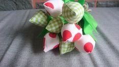 tulpen schöner straus aus 8 Tulpen Our Love, Gift Wrapping, Etsy, Gifts, Worth It, Tulips, Valantine Day, Deko, Nice Asses