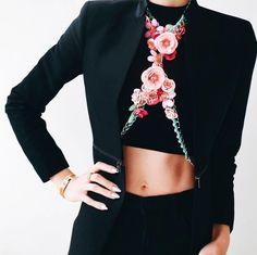 Via @koronacrown 🖤 #worldsuniquedesigns #loveit #design #fashion #woman #black #flowers #iloveflowers #womaninblack #styling #stylish #womanstyle #womanlifestyle #womansstyle #womanslook #womansfashion #look #fashiondesign #fashiondesigner #fashionable #fashionstyling #fashionstyle #fashionlove #designlove #fashionideas #likepost #likelikelike