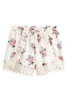 Dantel Detaylı Şort - Natürel beyaz/Floral - Ladies   H&M TR