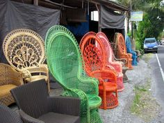 The peacock chair revival in Bali, Indonesia. Bali Furniture, Dream Furniture, Wicker Furniture, Outdoor Furniture, Furniture Ideas, Indonesian Decor, Balinese Decor, Bali Decor, Bohemian Decor