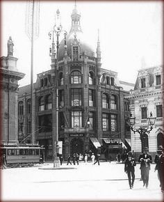 Pablo Neruda, Ancient Buildings, Architecture Old, Old Pictures, West Virginia, South America, Big Ben, Past, Street View