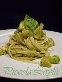 Spaghetti con Zucchine e Pesto Saporito