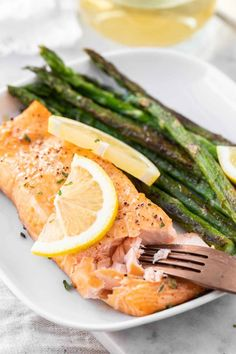 Air Fryer Salmon comes out tender and juicy every time! Making salmon in the Air Fryer is an easy and quick way to cook your favorite fish exactly the way you like it with only a little bit of oil. Best Fish Recipes, Delicious Salmon Recipes, Seafood Recipes, Popular Recipes, Favorite Recipes, Fancy Dinner Recipes, Lunch Recipes, Healthy Recipes, Oven Recipes