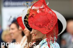 2016 Investec Epsom Derby Festival - Investec Ladies Day - Epsom Racecourse - Images - Press Association Furlong Fashion Racing Style Fashion At The Races Epsom Derby, Sports Pictures, Ladies Day, Style Fashion, Racing, Lady, Running, Auto Racing