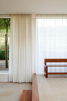 Curtains: Built in pelmet Tim Van de Velde Photography