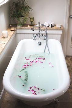 Mit Kristallen in die Badewanne - Seelenschimmer