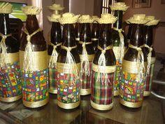 GARRAFAS DECORADAS PARA MESA DA FESTA JUNINA Party Decoration, Western Theme, Kids Decor, Home Decor, Diy Home Crafts, Bottle Art, Party Time, Decoupage, Mason Jars