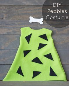 Easy DIY Pebbles Flintstone costume!  Perfect Halloween costume for little girls! |   http://www.sincerelyjean.com #halloween #pebblesflintstone #costume