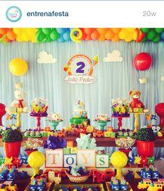 Belo First Birthday Themes, 1st Boy Birthday, First Birthday Parties, First Birthdays, Fun Party Themes, Birthday Party Decorations, Festa Toy Store, Transportation Birthday, Diy Crafts Vintage