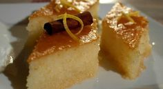 Sernik z toffi i orzechami Cheesecake With toffiee and peanuts Greek Sweets, Greek Desserts, Greek Recipes, Cookbook Recipes, Cake Recipes, Cooking Recipes, Vegan Recipes, Greek Pastries, Semolina Cake