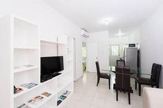 Real Ibiza Santany 212 Playa del Carmen Located in Playa del Carmen, Real Ibiza Santany 212 offers an outdoor pool. This modern apartment is just a 10-minute drive from the beach and features free WiFi and on-site parking.
