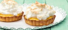 mini merengue-citroen taartjes Meringue Recept, Mini Lemon Meringue Pies, Brownie Recipes, Cake Recipes, Dessert Recipes, I Love Food, Good Food, Mini Meringues, Meringue