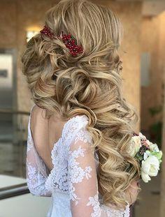 Featured Hairstyle: websalon (ANNA KOMAROVA); www.websalon.su; Wedding hairstyle idea.