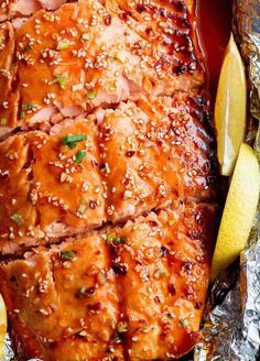 Honey Sesame Salmon In Foil is ready in under 20 minutes! Full of Asian flavours with ingredients you have in your kitchen, and so easy to pull together! Salmon Recipes, Fish Recipes, Seafood Recipes, Cooking Recipes, Healthy Recipes, Healthy Eats, Yummy Recipes, Crispy Oven Fried Chicken, Tasty