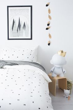 The simple and monochromatic triangle graphics was made with the design conscious kid in mind. The perfect unisex design to break the stereotype clichés - pink for girls and blue for boys. Tricky Triangles will compliment any bedroom décor, as well as the rest of the house.