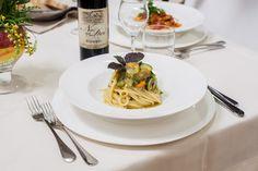 Spaghetti, Villa, Santa, Ethnic Recipes, Food, Essen, Meals, Fork, Villas