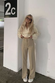 Dress And Sneakers Outfit, Dress Outfits, Fashion Dresses, Long Dress With Slit, Minimal Outfit, Instagram Fashion, Cool Style, Short Dresses, Mini Skirts