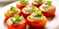 Tomaten gevuld met tongrolletjes met pesto Stuffed Peppers, Fruit, Vegetables, Food, Fresh Pasta, Mango Salsa, Broiled Shrimp, Tomatoes, Stuffed Pepper