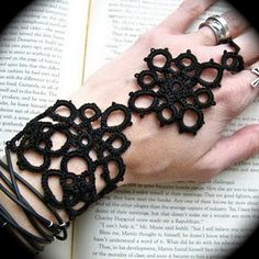 Pamela Quevedo tats this jewellery - amazing and very different!