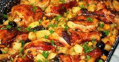 Hozzávalók: 6 db csirke felsőcomb 7 db burgonya 1 ek. sertészsír 2 közepes lilahagyma 2 közepes sárgarépa 3 gerezd fokhagyma 1 tk. ételízesítő 1 kk.… Beef Recipes, Chicken Recipes, Cooking Recipes, Healthy Recipes, Good Food, Yummy Food, Hungarian Recipes, Hungarian Food, Vegetable Seasoning