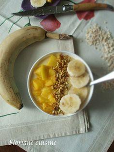 Smoothie bowl à la mangue et banane (spécial été) Dessert, Bowl, Camembert Cheese, Dairy, Mango, Exotic, Food, Recipe, Kitchens