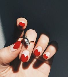 Add a touch of love to your manicure with a heart. It's a great way to add design to your next manicure. Find some heart nail art inspiration for your nails. Cute Nails, Pretty Nails, My Nails, Red Tip Nails, Red Sparkly Nails, Red Black Nails, Nails 2017, Gorgeous Nails, Pink Nails