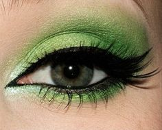 You have to be pretty daring to wear this look, but Younique Products has GREAT pigments to create looks like this.  Purchase the pigments you need to create this look here: www.youniqueproducts.com/NicoleCook/