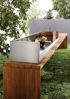 modern outdoor kitchen @Jennifer Milsaps L Peterson...how cool would this look on your long deck by the garage?!