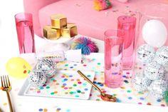 Cómo decorar una bandeja u otro objeto con confeti