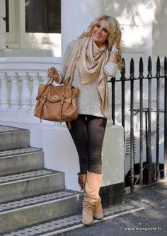 Housut / pants, Zara Saappaat / boots, Zara Neule / sweater, Zara Huivi / scarf, Louis Vuitton Laukku / bag, Mulberry