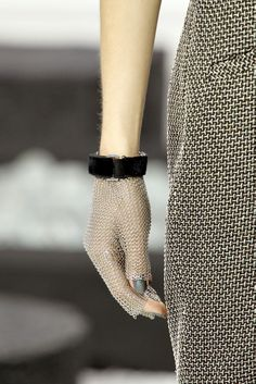 Celebrities who wear, use, or own Chanel Mesh Gloves. Also discover the movies, TV shows, and events associated with Chanel Mesh Gloves. Vogue, Non Plus Ultra, Chanel News, Fashion Details, Fashion Design, Chanel Couture, Chanel Spring, Fashion Tips For Women, Models