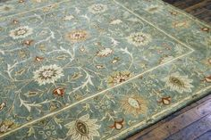 Beautiful Rug...this is the color of my bedroom...just too dreamy!
