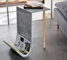 Concrete Side Table by Betonfusion Beton Design, Cement Design, Concrete Crafts, Concrete Wood, Concrete Projects, Polished Concrete, Concrete Siding, Concrete Table, Pallet Projects