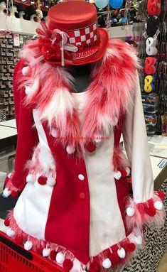 Carnival Of Venice, Dress Form, Fur Coat, Costumes, Unique, Jackets, Beauty, Ideas, Dresses