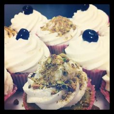 Pistachio and Amarena cherries cupcakes