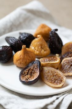 Celebrating the Quality of California Figs Dried Figs, Fresh Figs, Dried Fig Recipes, Fish Pasta, Appetizer Recipes, Appetizers, Dessert Bars, Soups And Stews, Lily