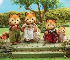 Buy Robinson Red Panda Family online, - Sylvanian Families