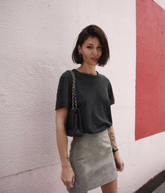 Simple grey suede skirt by // New cut 💇🏻♀️ Mode Outfits, Skirt Outfits, Casual Outfits, Fashion Outfits, Short Hair Outfits, Looks Street Style, Suede Skirt, Look Fashion, Minimalist Fashion