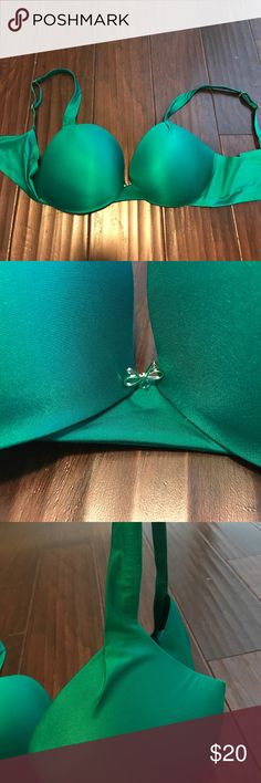 Hunter green Victoria's Secret plunge bra! Never been worn hunter green Victoria's Secret bra. Victoria's Secret Intimates & Sleepwear Bras