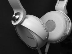 Are You Looking for Durable Headphones? if yes then your search will end here because today we are going to share Top 10 Most Durable Headphones to Buy. Best Bluetooth Headphones, Best Noise Cancelling Headphones, White Headphones, Over Ear Headphones, Noise Reduction Headphones, How To Get Followers, Music Online, Retro, Stuff To Buy
