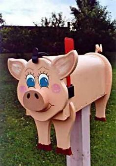 Farm Animal Mailboxes Pig mailbox by mimidev on Etsy Funny Mailboxes, Unique Mailboxes, Painted Mailboxes, Diy Mailbox, Modern Mailbox, Mailbox Ideas, Mailbox Designs, Wood Pig, Wood Craft Patterns